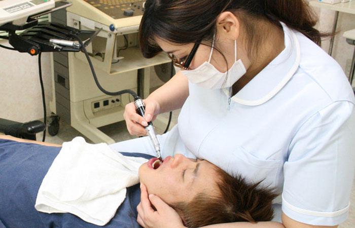 【※歯医者あるある※】歯が痛くて歯医者に行った結果・・・歯が治ってチンポが痛くなるww ←コレwwwwwwwww(画像あり)
