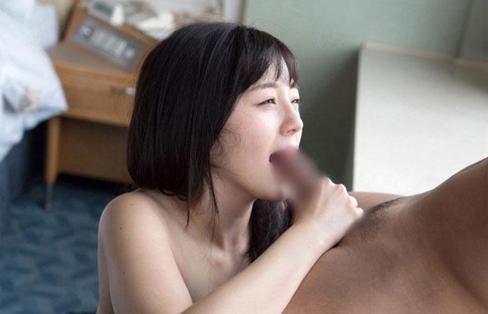 【S-Cute 鈴原エミリ】強めの刺激で敏感に感じる清楚な美少女 01
