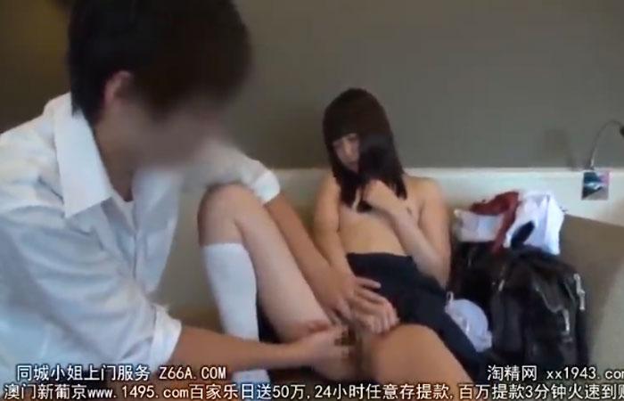【三次エロ動画】おちんちんも直視できない清純制服娘の円光FUCK!