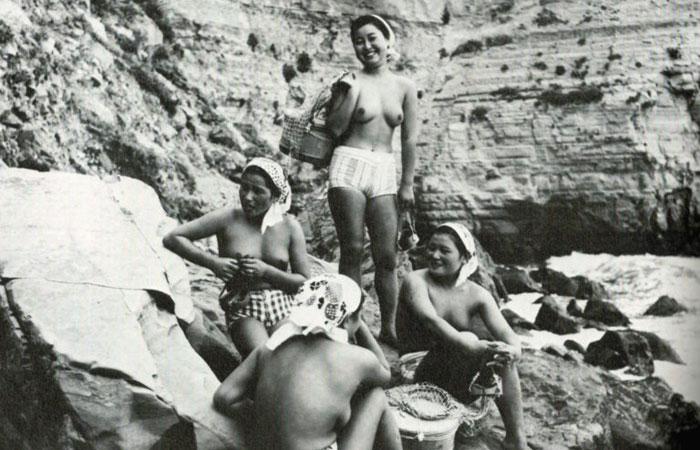 【熟女エロ画像】たまに現代でも通用する人がw昭和の海女さんたちの裸身www