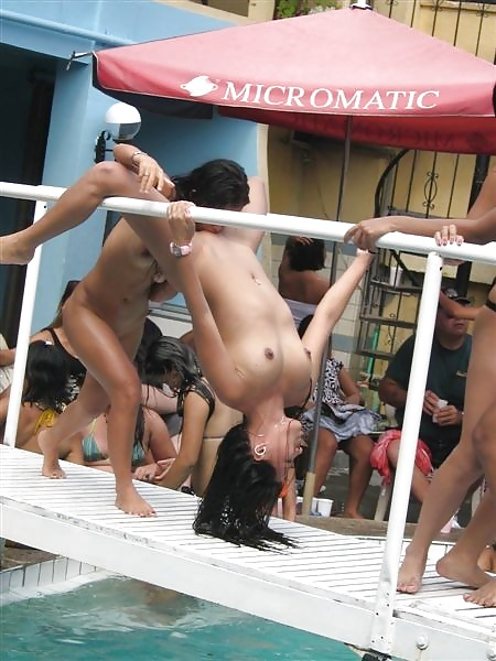 【※裏山杉内】海外で行われているプールパーティーとかいう楽園wwwwwww 嘘だろコレwwwwwwwwwwwwwwwww(画像あり) 01