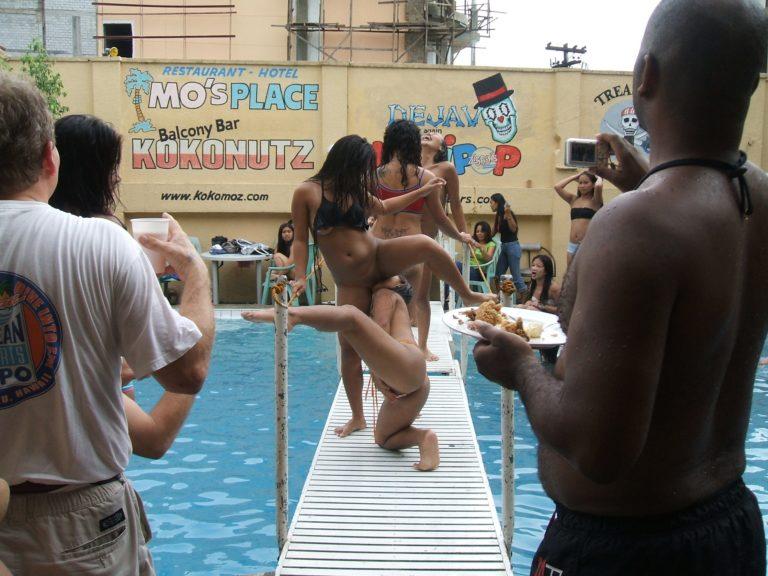 【※裏山杉内】海外で行われているプールパーティーとかいう楽園wwwwwww 嘘だろコレwwwwwwwwwwwwwwwww(画像あり) 02