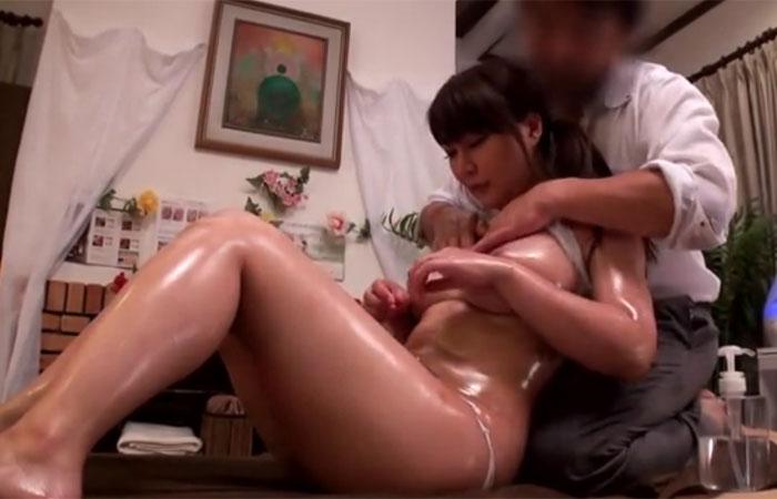 【三次エロ動画】性感オイルマッサージで不倫に落ちた巨乳妻www