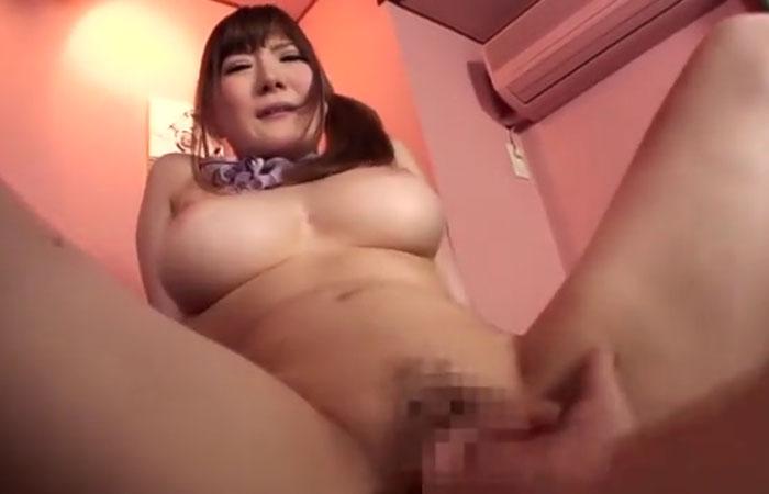 【三次エロ動画】乳圧と膣圧の両方で癒しをくれる爆乳回春エステ嬢!