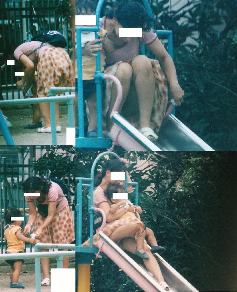 【ママチラエロ画像】我が子を守るのに必死なのにミニって…隙ありママパンチラwww 09