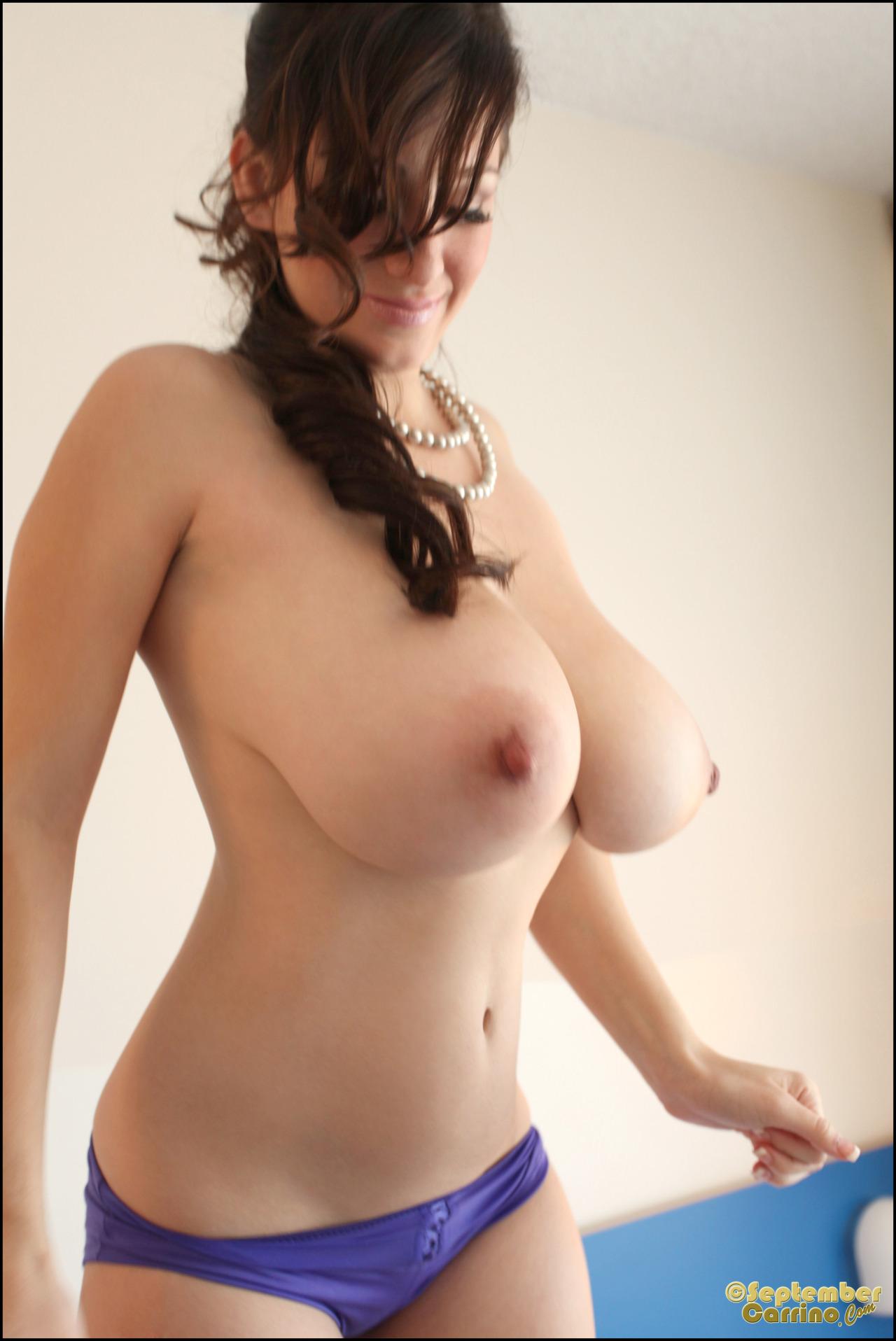 【乳と腋エロ画像】どちらも舐めたい!外人さんの美麗で卑猥な巨乳と腋下www 11