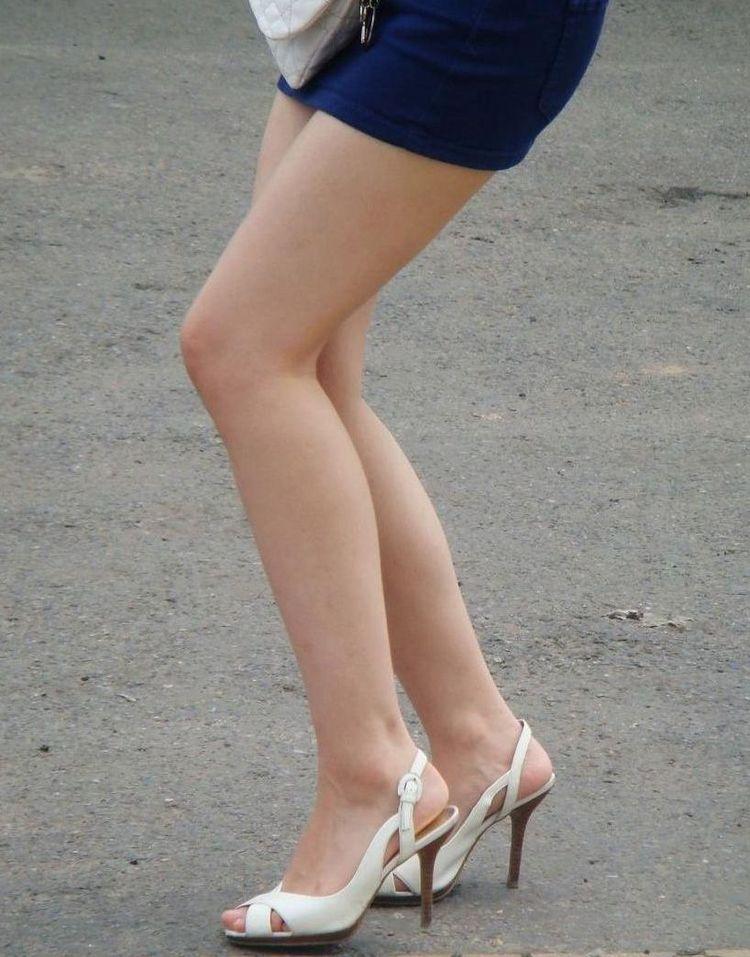【美脚エロ画像】寒いなら撫でてあげたい!太ももそそる街のミニスカ美脚www 09