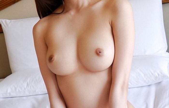 【乳首エロ画像】出てくるようにマッサージ必須!救いの余地はある陥没乳首www 001
