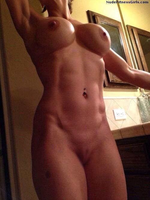 【腹筋エロ画像】弛み切ってるよりもイイ!今流行りな腹筋美女の裸体www 05
