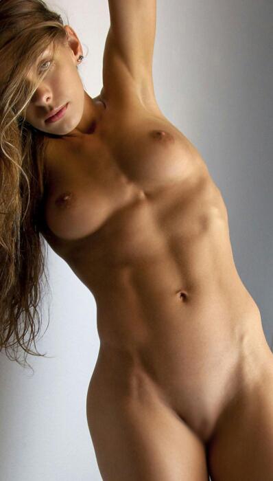 【腹筋エロ画像】弛み切ってるよりもイイ!今流行りな腹筋美女の裸体www 12