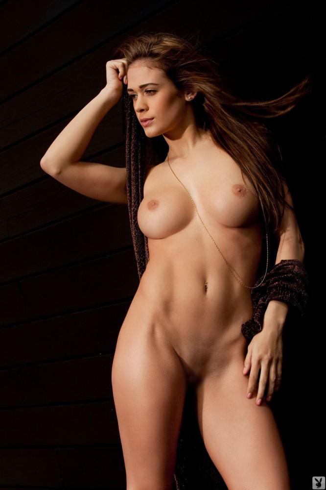 【腹筋エロ画像】弛み切ってるよりもイイ!今流行りな腹筋美女の裸体www 15