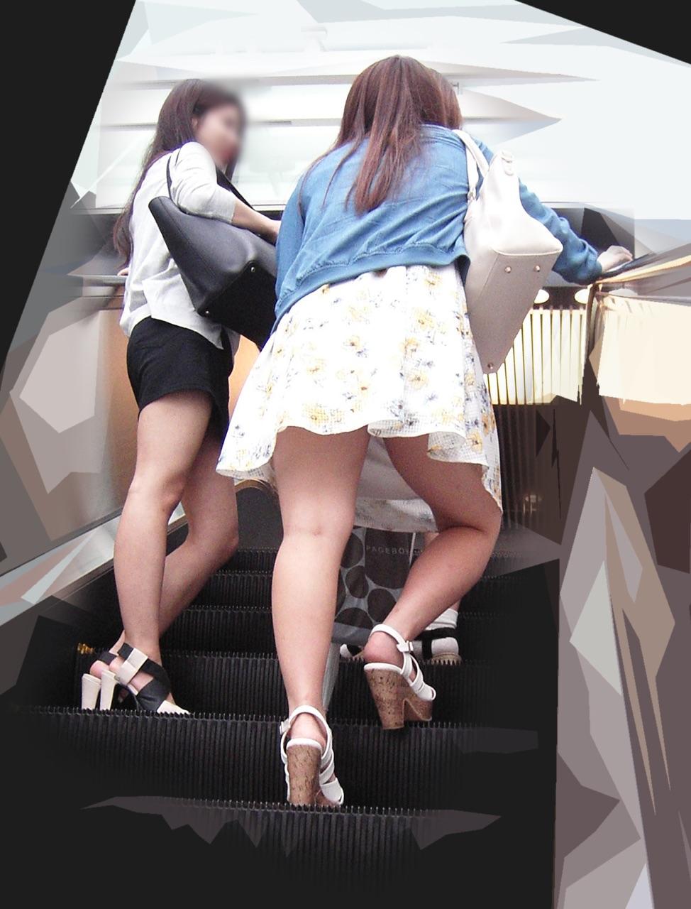 【美脚エロ画像】街中どこでも見られるけど見入っちゃうwフェチ歓喜のミニスカ美脚www 12