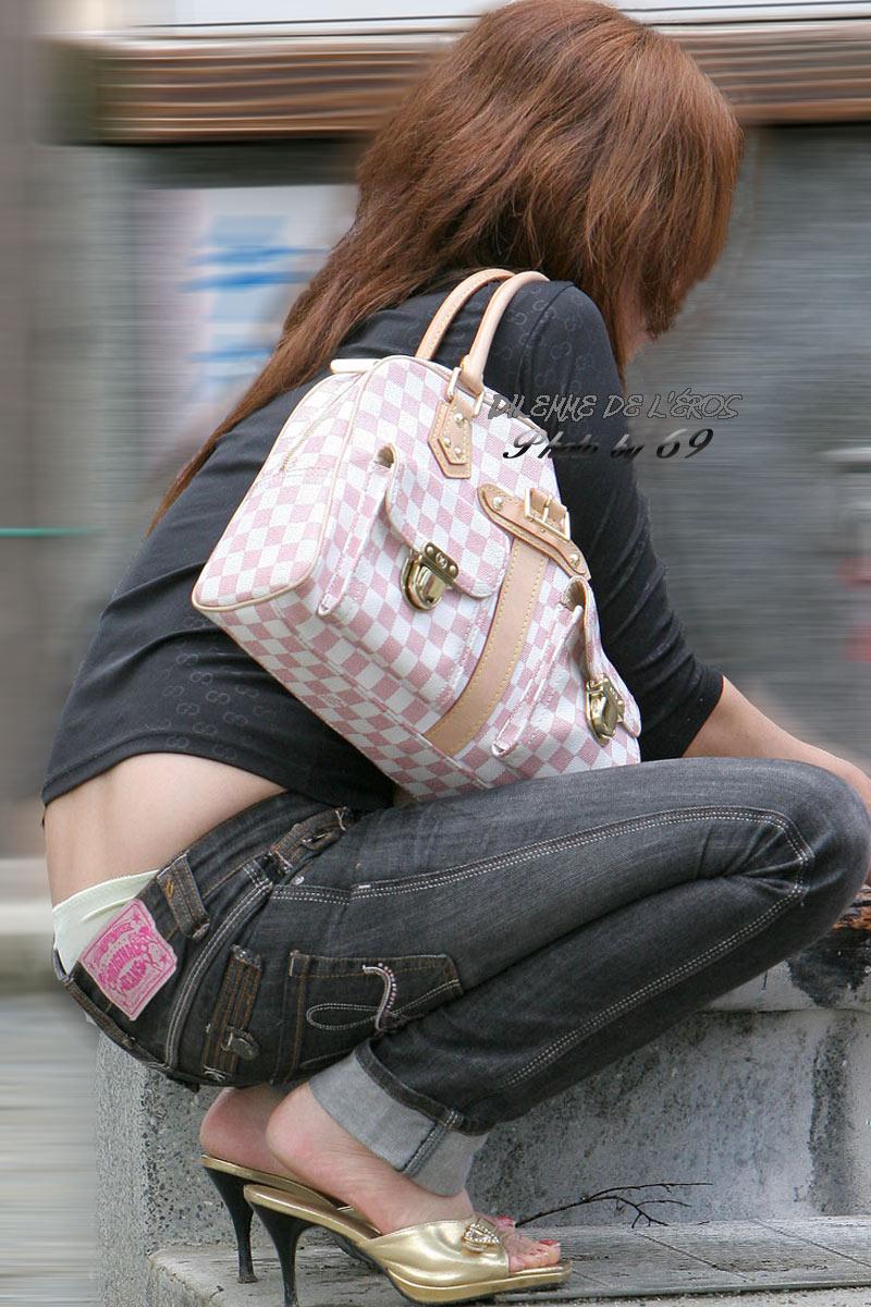 【ローライズエロ画像】ただ卑猥なだけのハミTを堂々と見せる街角ローライズwww 12