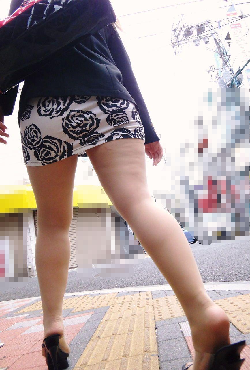 【美脚エロ画像】見入ってしまうムッチリ太ももが素敵!街角美脚チェックwww 05