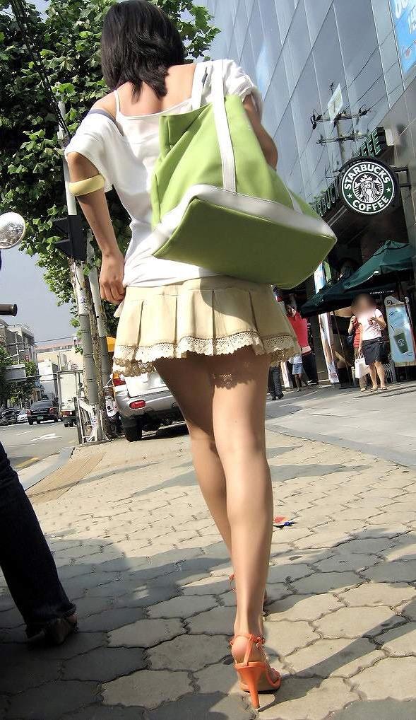 【美脚エロ画像】見入ってしまうムッチリ太ももが素敵!街角美脚チェックwww 12
