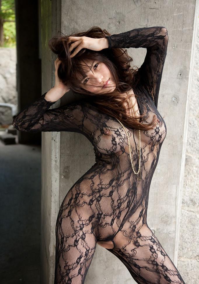 【下着エロ画像】股間は穴開きw行為用でしかない全身網タイツを纏う痴女www 02