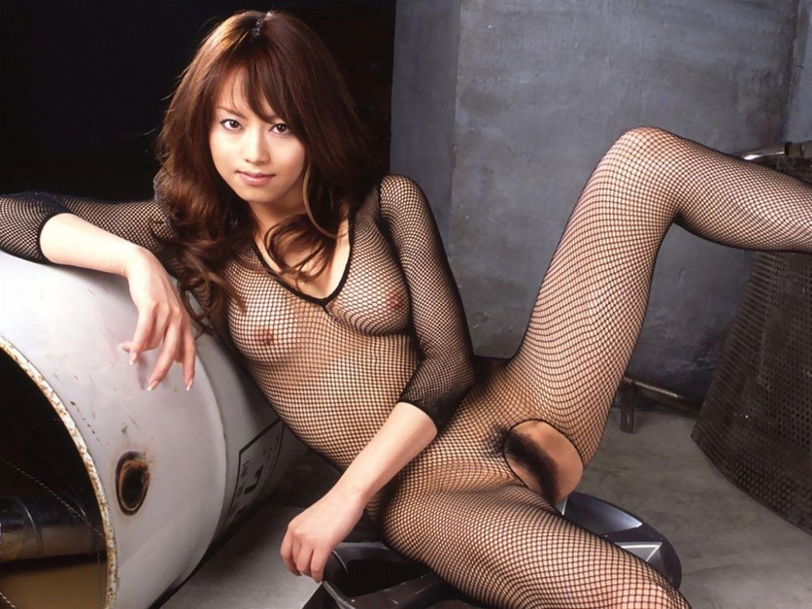 【下着エロ画像】股間は穴開きw行為用でしかない全身網タイツを纏う痴女www 11