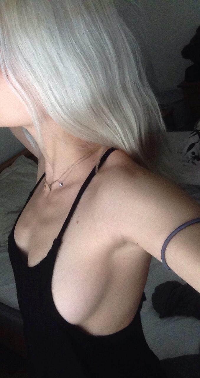 【横乳エロ画像】乳首はマダー?膨らみ際立つ横から見たハミ出し巨乳www 09
