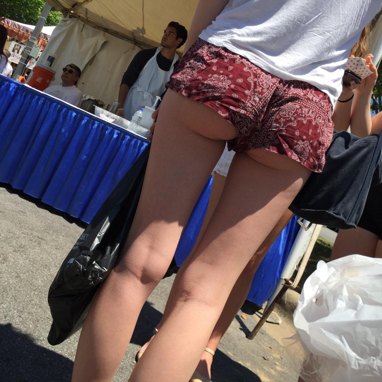 【ハミ尻エロ画像】たかが端っこではないwホットパンツァーの貴重な尻出しwww 13