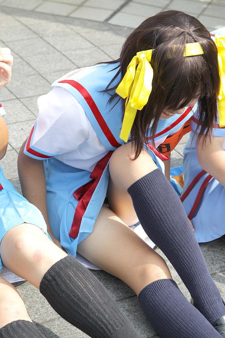 【コスプレエロ画像】隣に座って貰いたいwムッチリ美脚のコスプレイヤーwww 10