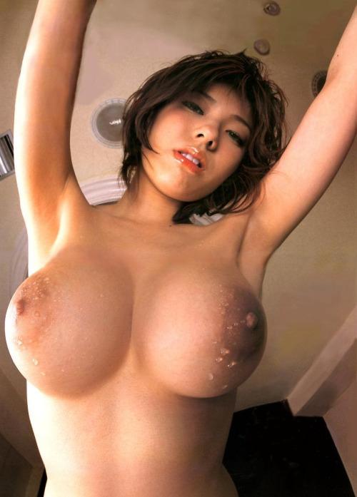 【短髪エロ画像】既に裸故にボーイッシュには全然見えないショートヘア女子www 14