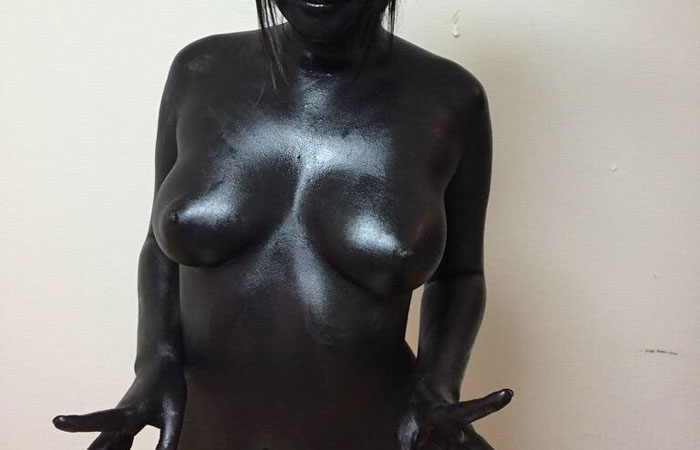 【ボディペイントエロ画像】確かに裸!色付けても誤魔化せない女体塗りwww 001