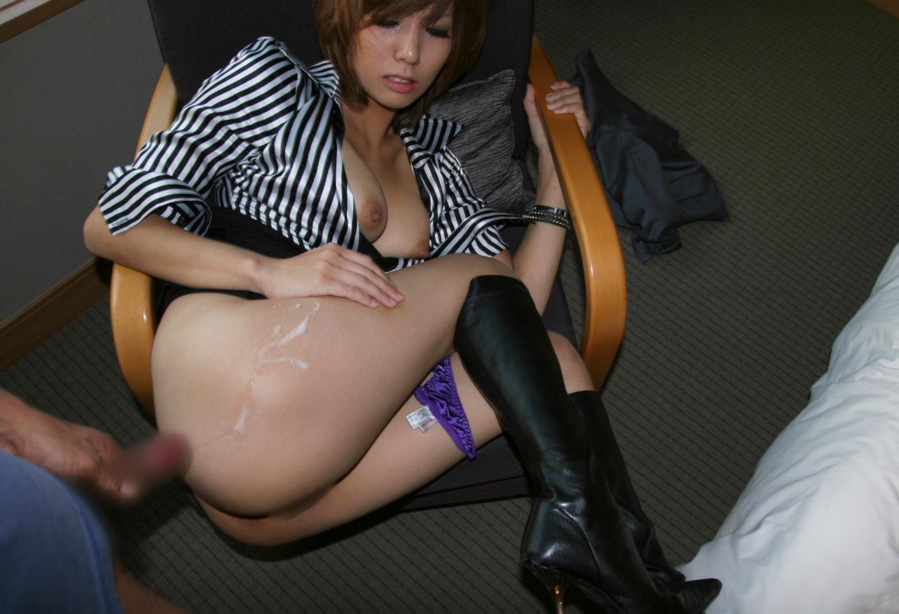 【ぶっかけエロ画像】イイお尻には浴びせたいから…バックの締めに尻ぶっかけwww 13