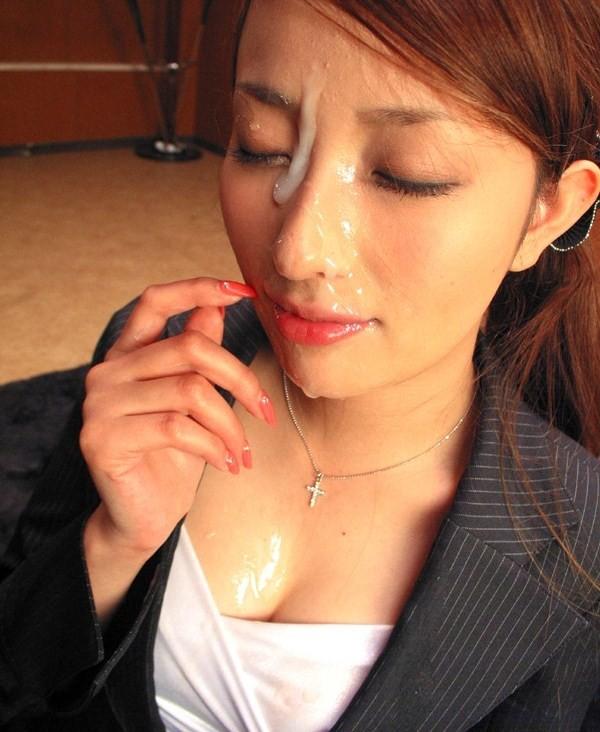 【ぶっかけエロ画像】出せるなら遠慮なく!美顔を埋め尽くす大量顔射www 08