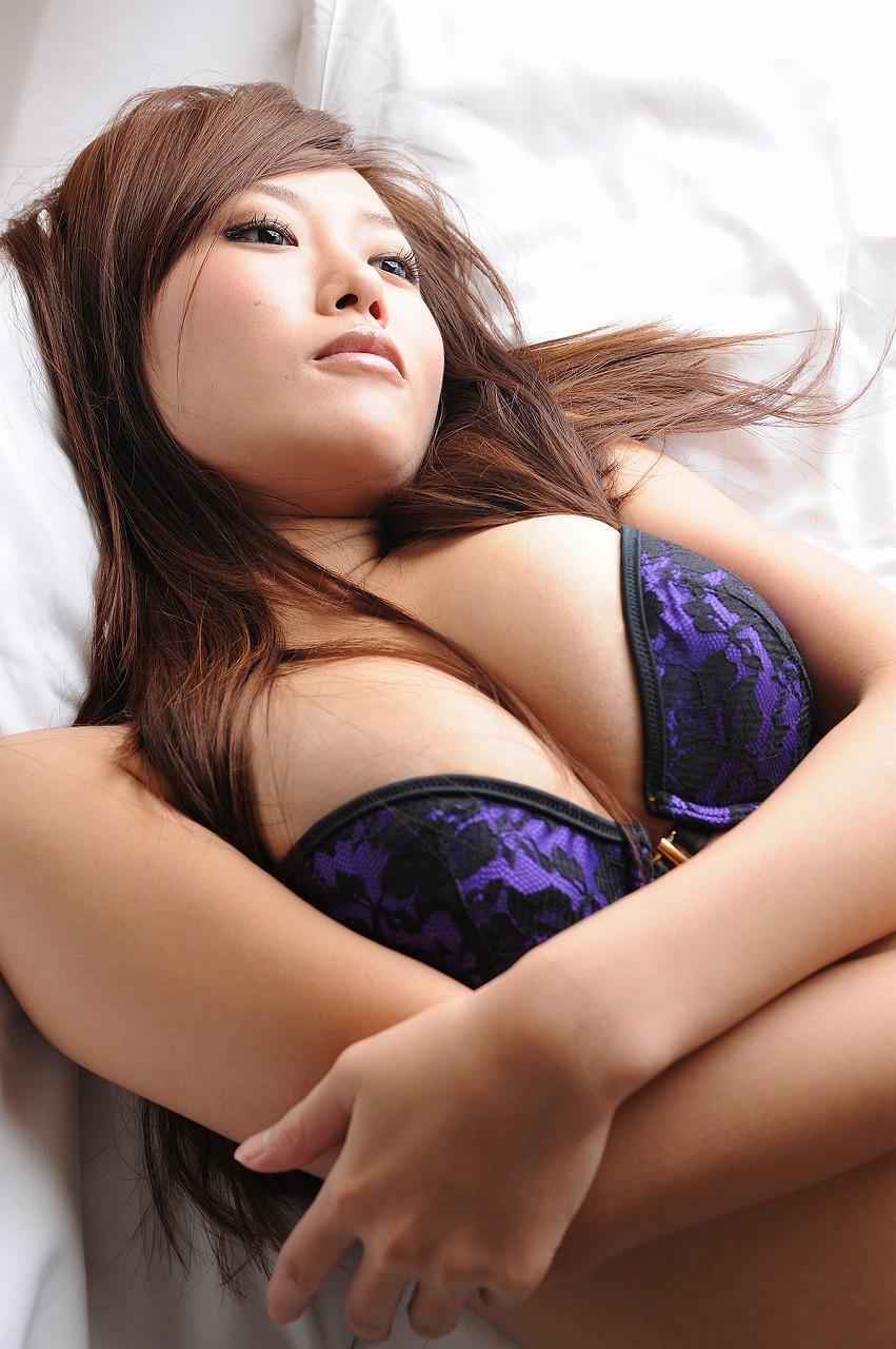 【下着エロ画像】若い体にもよく似合うw大人っぽさ上がる紫ランジェリーwww 07
