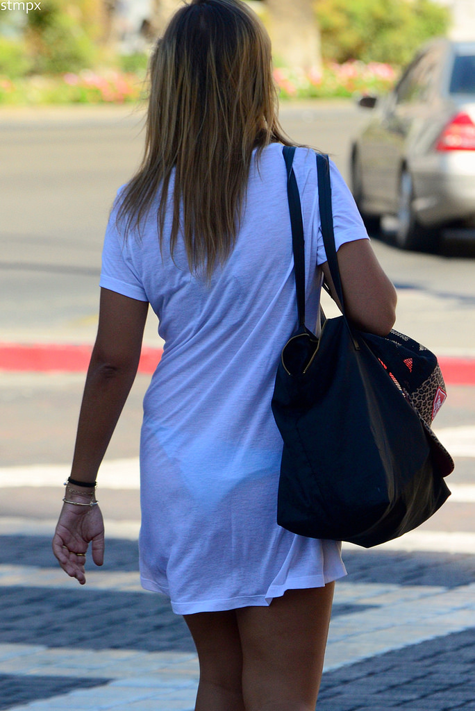 【下着透けエロ画像】見えてますが…と言う方が失礼みたいな下着透け淑女www 02