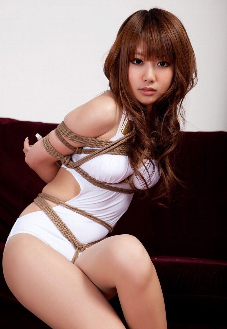 【SMエロ画像】縄を巻いて卑猥さアップ!ムッチリ女体に凄く似合う縄化粧www 08