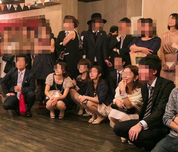 【パンチラエロ画像】一生残る記念w記念写真で油断した女子のパンツ激写www 07