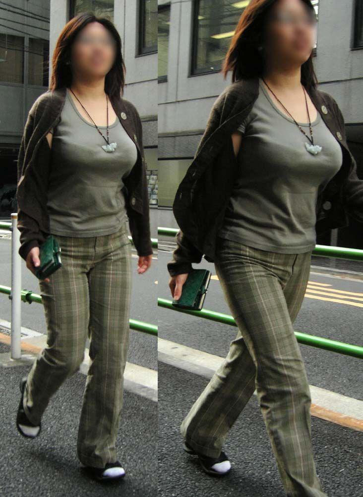 【巨乳エロ画像】見せつけてくれる…視線を逸らす必要はない街角巨乳www 09