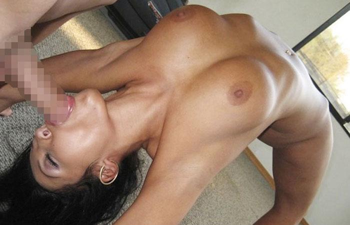 【軟体エロ画像】性交したらどんな感じか…全裸でブリッジするお姉さんwww 001