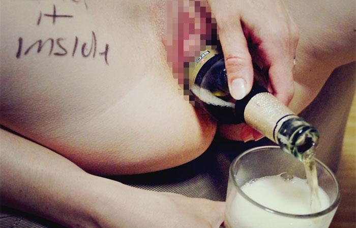 【異物挿入エロ画像】えぇ…膣にとんでもないモノぶち込んだド変態の皆さんwww 001