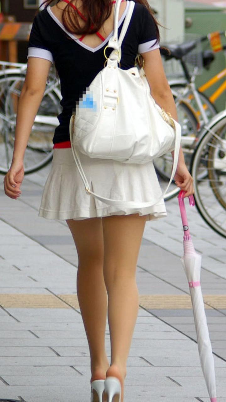【美脚エロ画像】街へ行けば漏れなく遭遇w見てて飽きない現代女性の美脚www 15