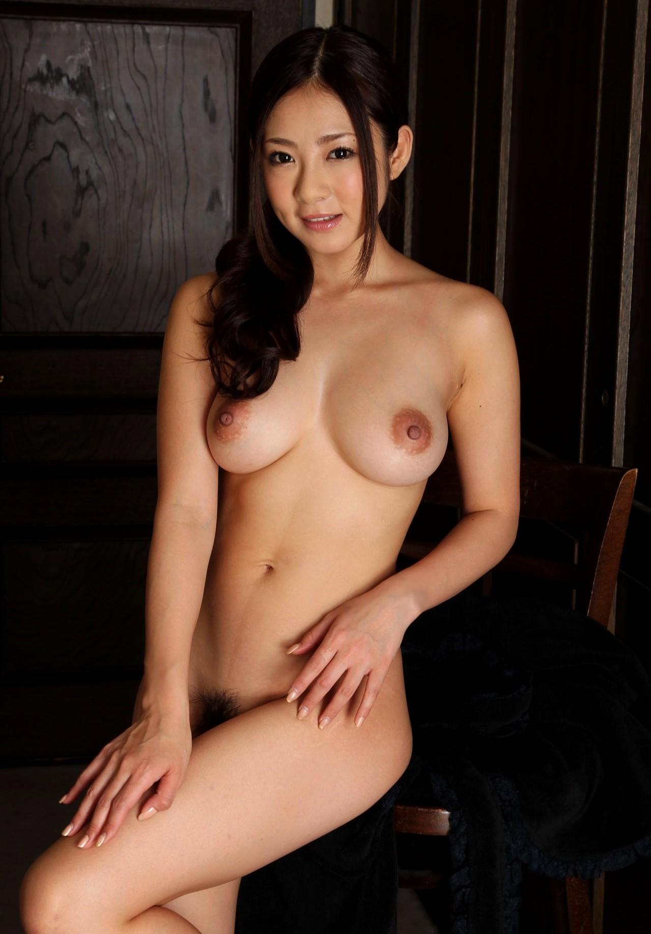 【女体エロ画像】細くても丸くても…綺麗なヘソも見逃せない美裸体www 11
