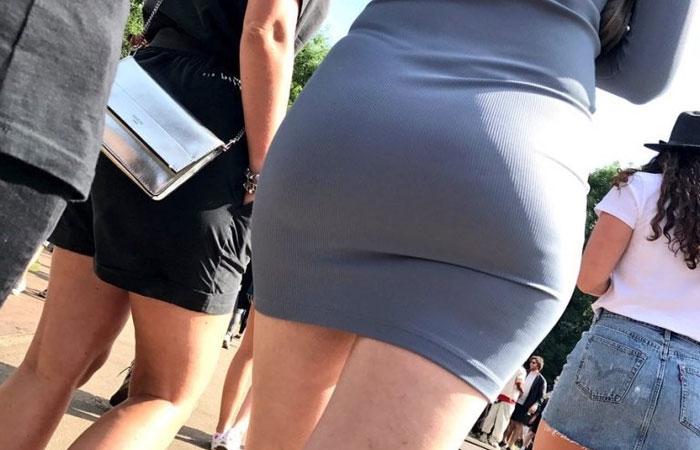 【着尻エロ画像】むしろ着ている事で形大きさが際立ったと言える街の着尻観察www 001