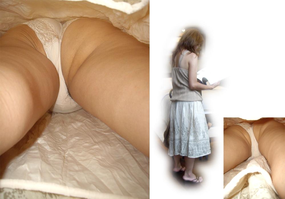 【パンチラエロ画像】ロングスカートも真下は不可避w大胆な下着を暴く逆さ撮りwww 09