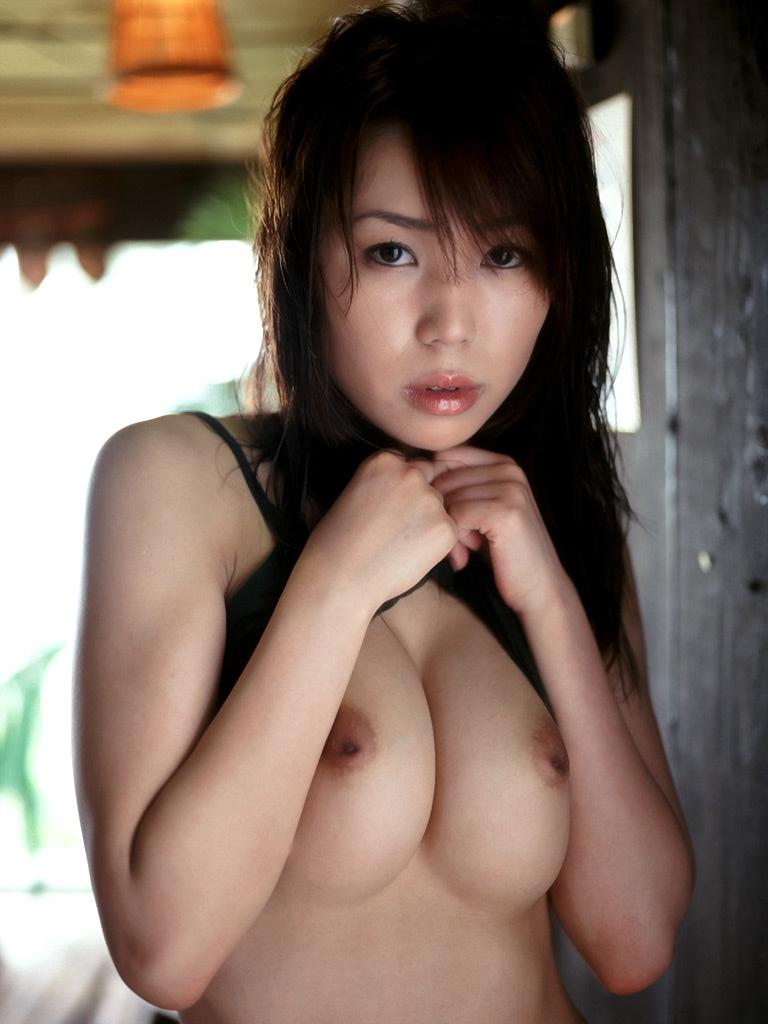 【乳頭エロ画像】埋まってるなら出すのを手伝いたい!先っちょ見えない陥没乳首www 11