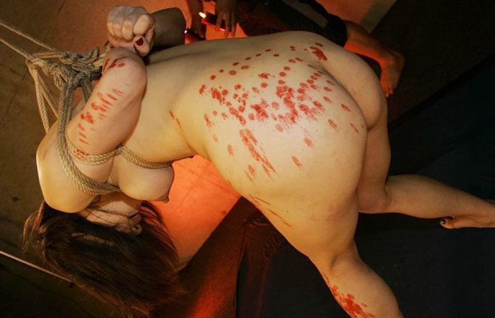 【SMエロ画像】目も覚める絶妙な熱さ!蝋でネチネチ責められるM女の皆さんwww 001
