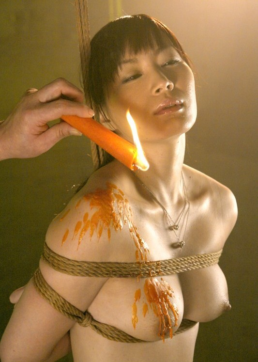 【SMエロ画像】目も覚める絶妙な熱さ!蝋でネチネチ責められるM女の皆さんwww 10