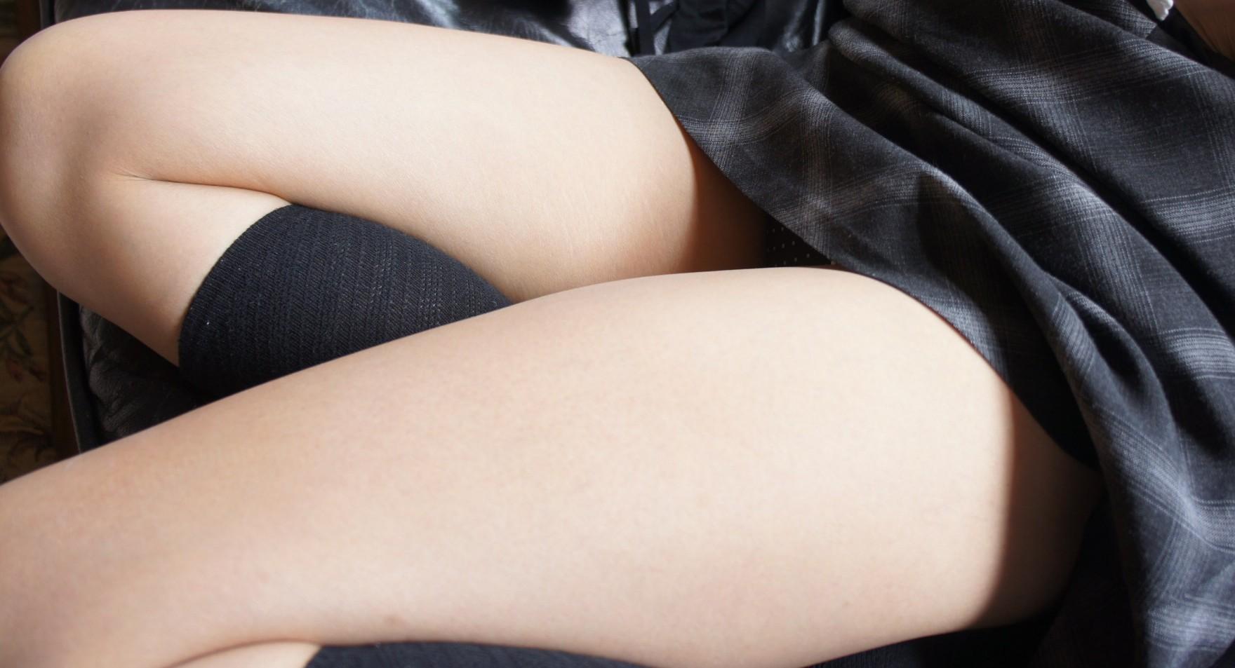 【太ももエロ画像】膝枕で安眠できそうなムチムチ加減がイイ!名前負けしてない太ももwww 04