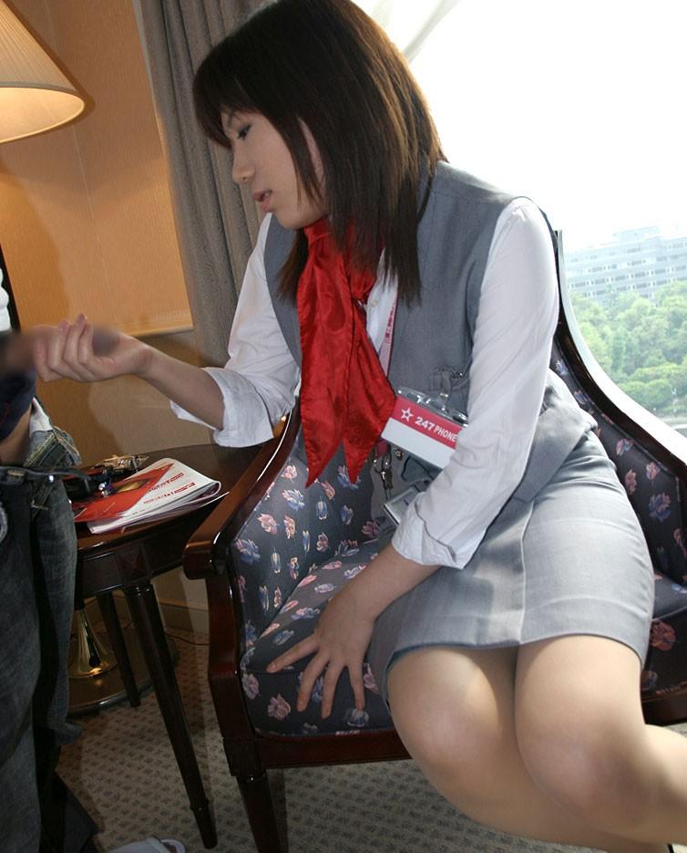 【手コキエロ画像】優しくされる方がすぐ出ちゃいそう…女のハンドジョブwww 04