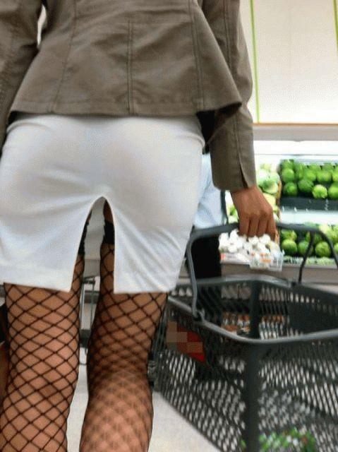 【ミニスカエロ画像】放っておいても尻チラにパンチラ!注目必至な超ミニ履いた下半身www 03
