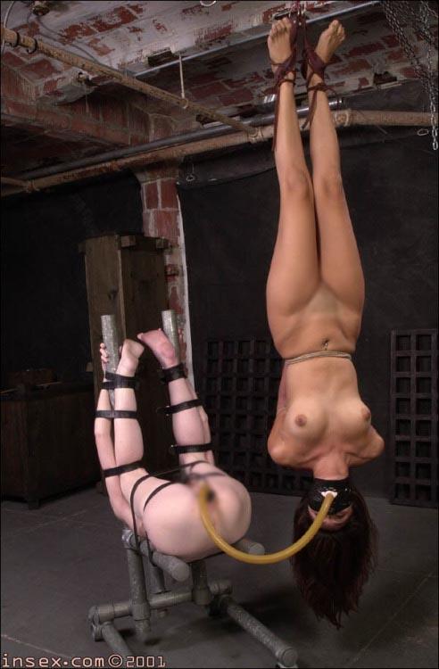 【SMエロ画像】生半可に真似してはいけないwコツが要る女体宙吊り拘束www 04