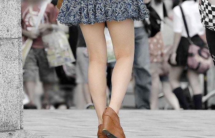 【美脚エロ画像】今なら生多数w街に出れば幾らでも遭遇できる美脚の持ち主たちwww 001