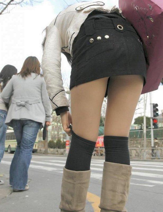 【美脚エロ画像】今なら生多数w街に出れば幾らでも遭遇できる美脚の持ち主たちwww 01