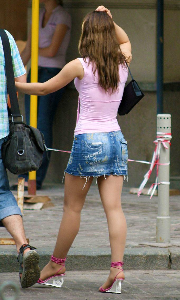 【美脚エロ画像】今なら生多数w街に出れば幾らでも遭遇できる美脚の持ち主たちwww 03