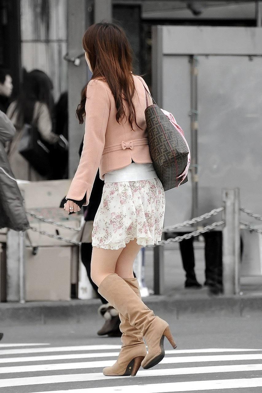 【美脚エロ画像】今なら生多数w街に出れば幾らでも遭遇できる美脚の持ち主たちwww 08
